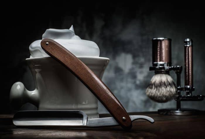 Shaving with best straight razor