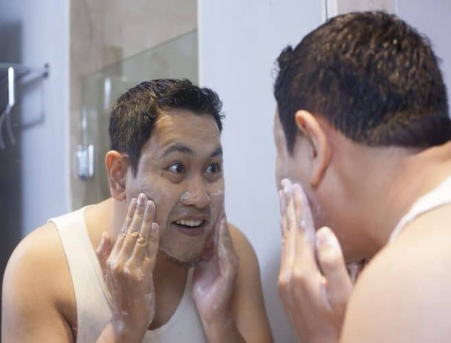 8 Best Exfoliators Face Scrubs For Men Reviews Buying Guide