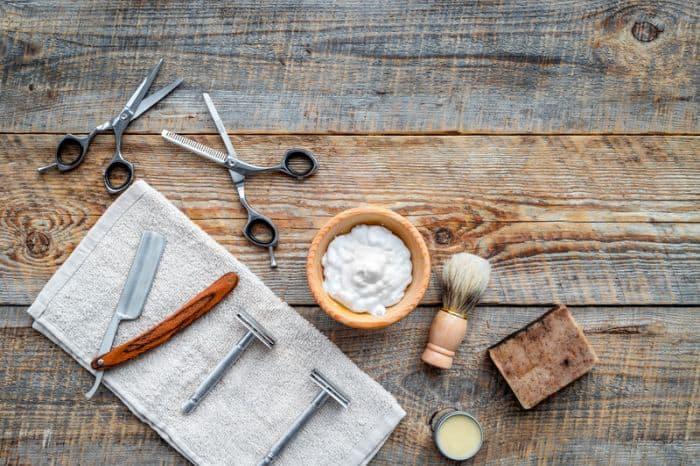Best Shaving Kits For Men on Wooden Table